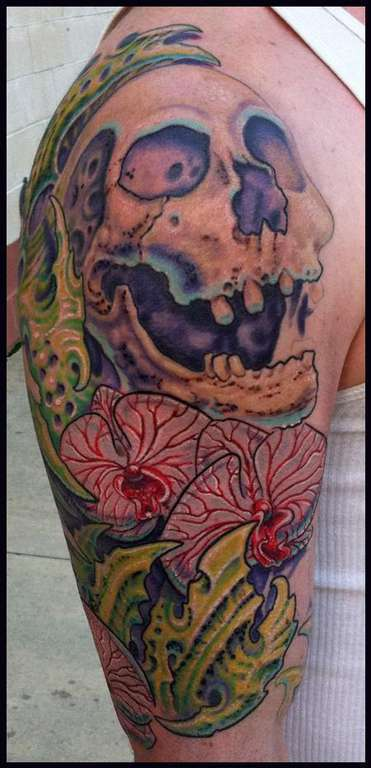 Skull_biomech-color-tattoo