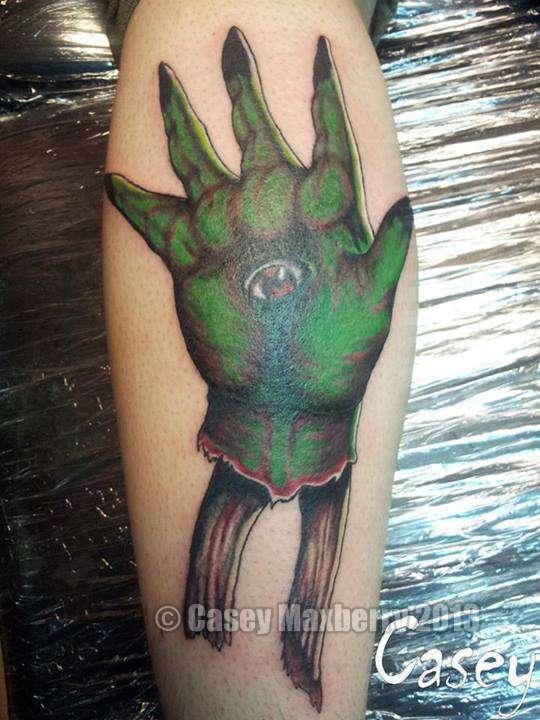 Green-hand-eye