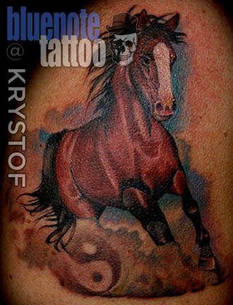 Club-tattoo-krystof-planet-hollywood-horse