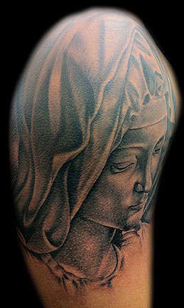 Club-tattoo-derek-rubright-las-vegas-planet-hollywood-miracle-mile-shops-101