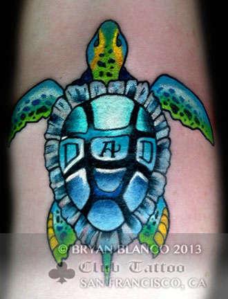 Club-tattoo-bryan-blanco-san-francisco-pier-39-10