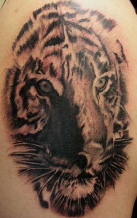 0-club-tattoo-gene-glendale-26