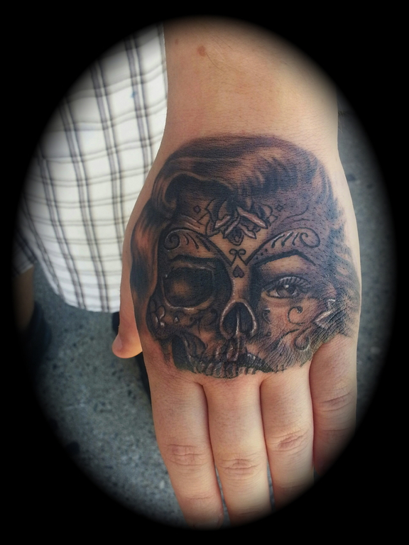 Day Of The Dead Hand Tattoo: Mikec613:day-of-the-dead-hand-tattoo-marilyn-monroe-skull