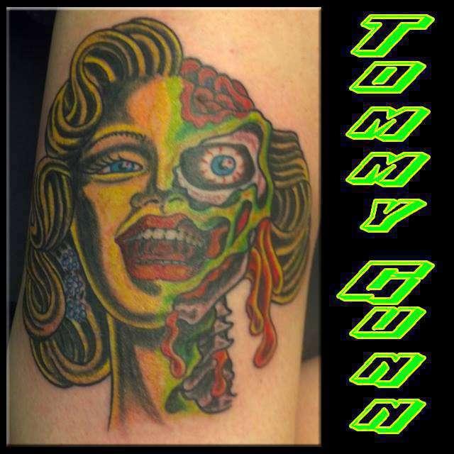 Marilyn Monroe Tommy Gun: Tommygunnsnider:monroe-marilyn-color-zombie