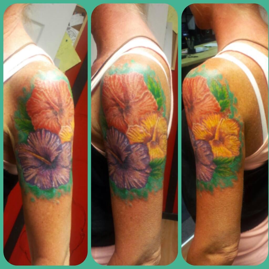 Lenny-flowers-arm