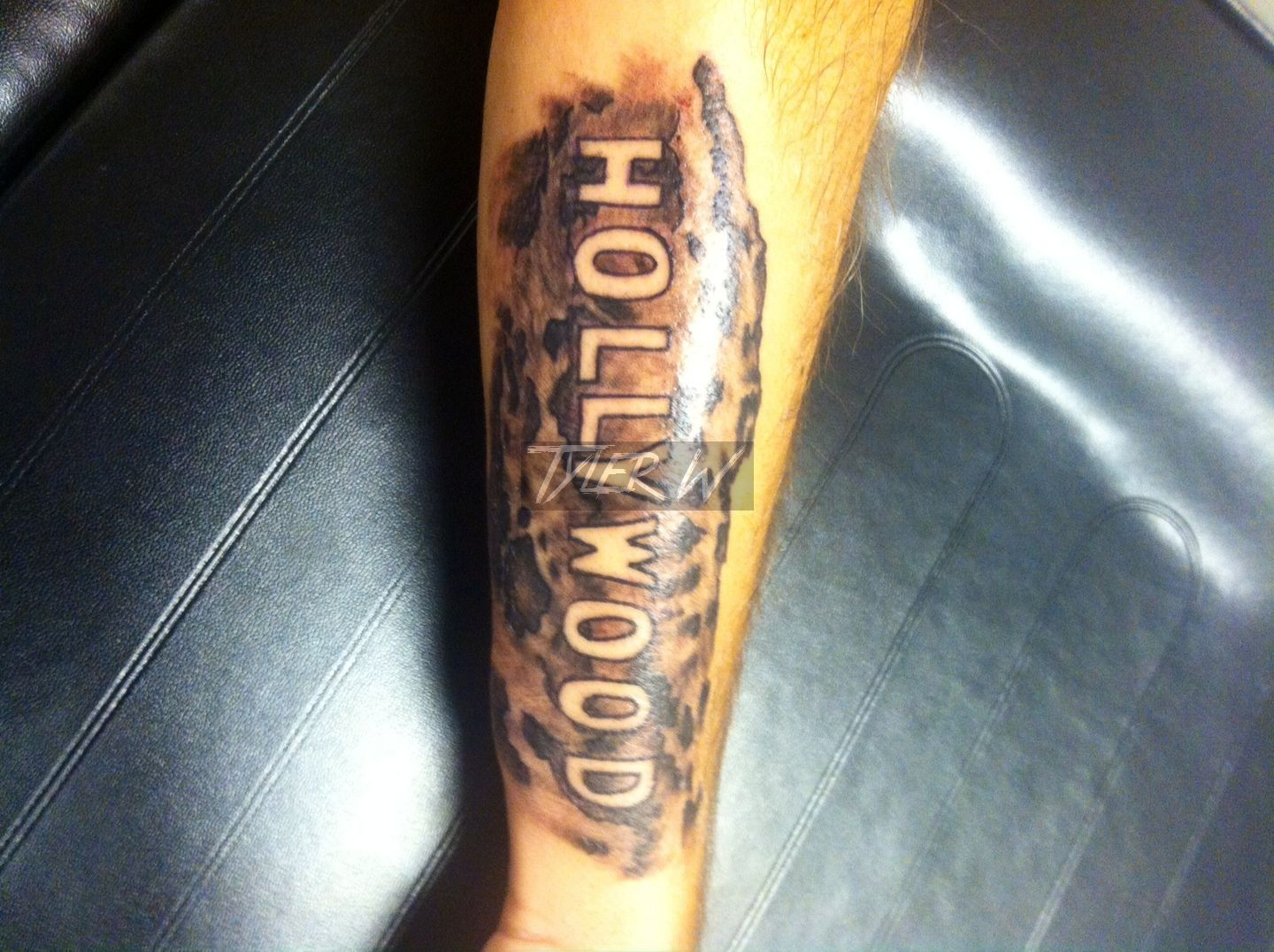 28 hollywood tattoo 1000 images about skie on pinterest tiny homes on first tattoo solar. Black Bedroom Furniture Sets. Home Design Ideas