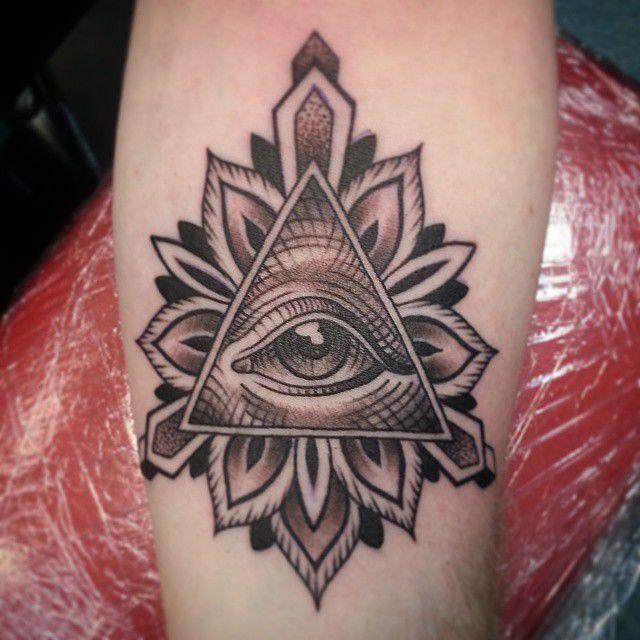 joshartist:all-seeing-eye-tattoo-allseeingeye-illuminati