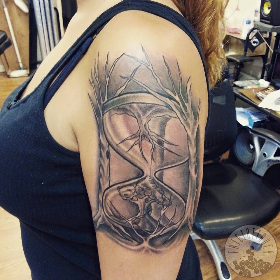 Hourglasstattoo-jpg