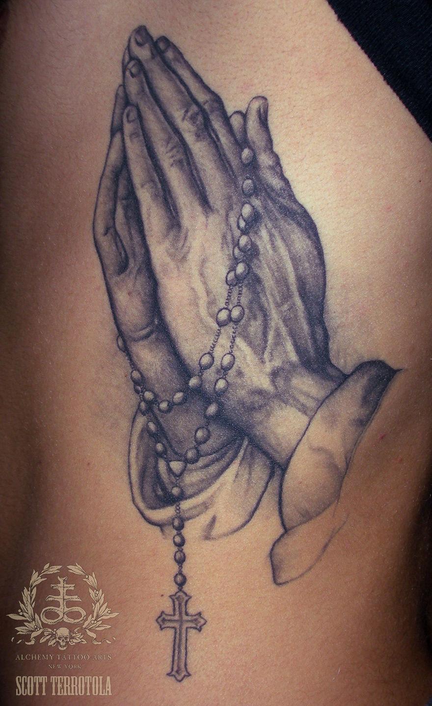 Тату молящийся девушки значение