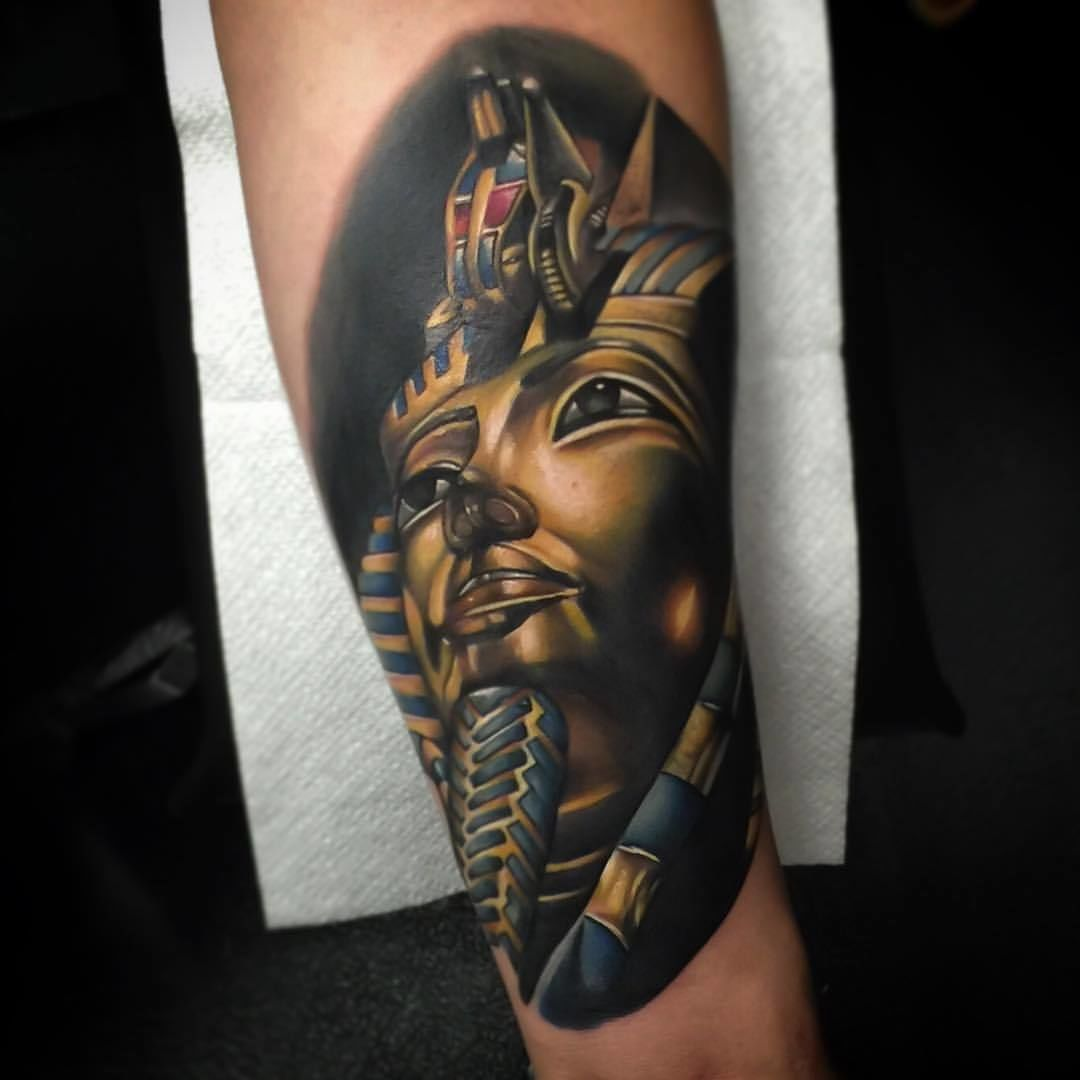 poch:color-realism-king-tut-egyptian-egypt