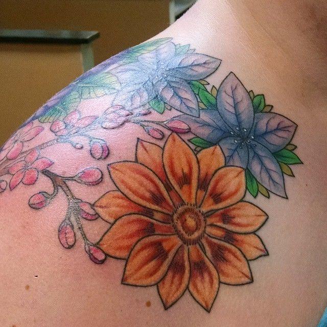 Shoulderflowers2