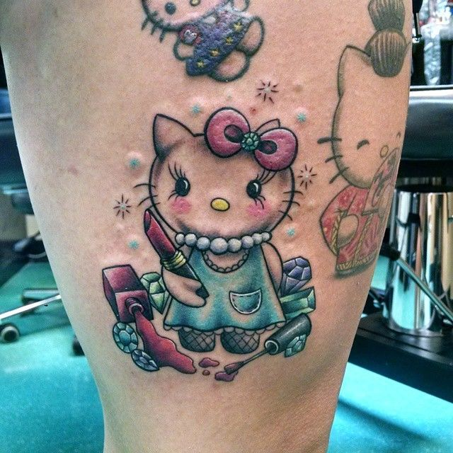 3a2954dfc laurenbonifacius:hello-kitty-color-girls-with-tattoos