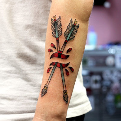 Arrow-tattoo-ted-coburn-the-bell-rose-tattoo-and-piercing-mobile-alabama