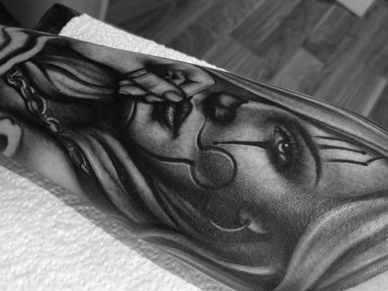 Chicano-chola-rosemary-mckevitt-tattoo-ireland