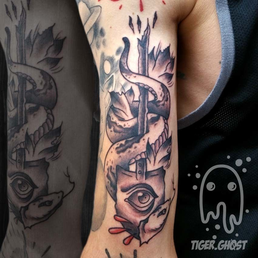 Lumberjacktomsnake And Shovel Black And Grey Tattoo Tattoo Japanese
