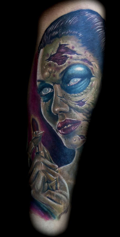 Las-vegas-tattoo-artist_joe-riley_lipstick_zombie_tattoo