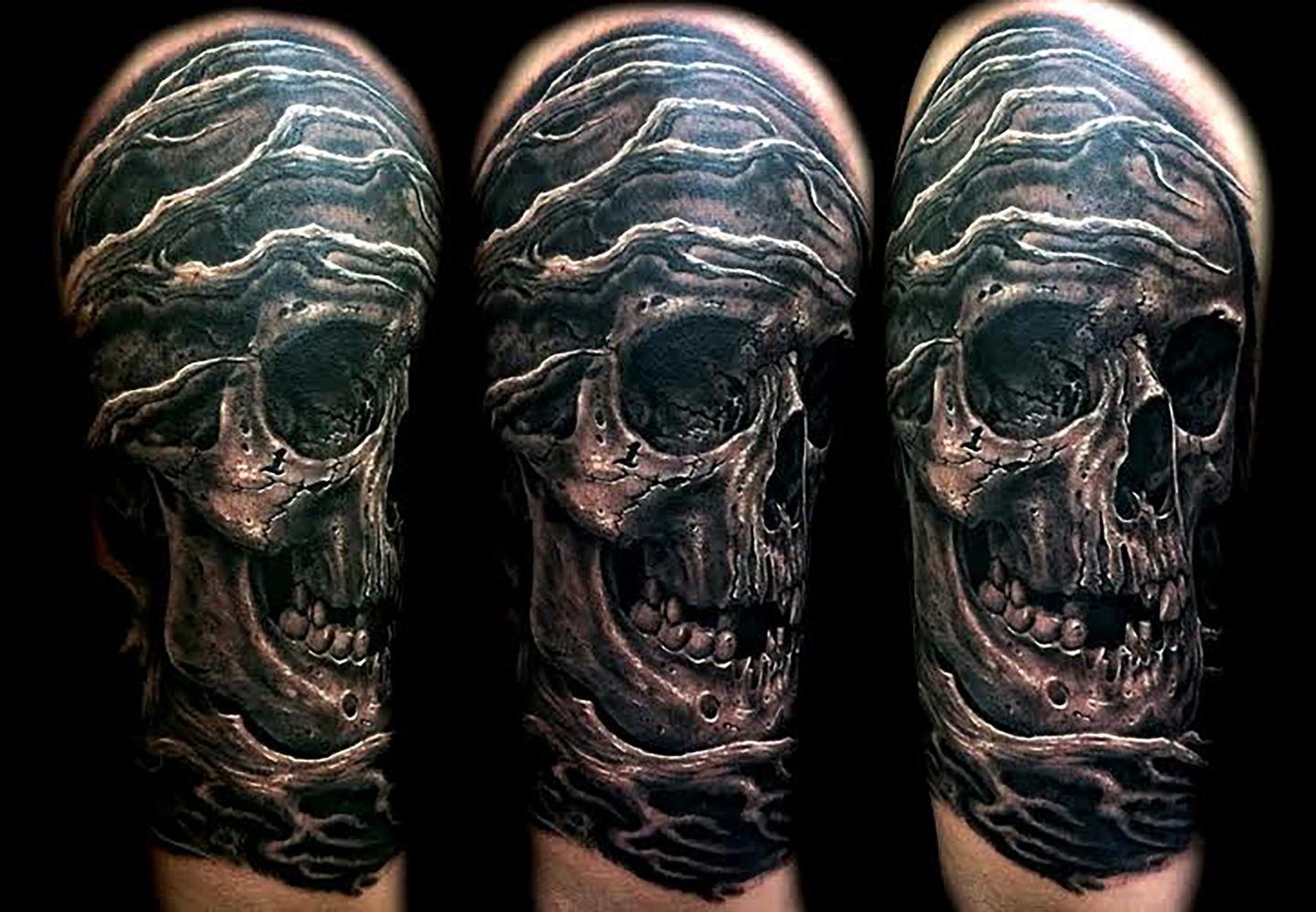 Las-vegas-tattoo-artist_joe-riley_skull-tree-half-sleeve
