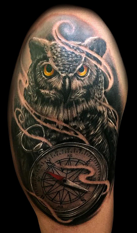 Inner_visions_tattoo_las_vegas_best_tattoo_shops_joe_riley_owl_tattoos_compass