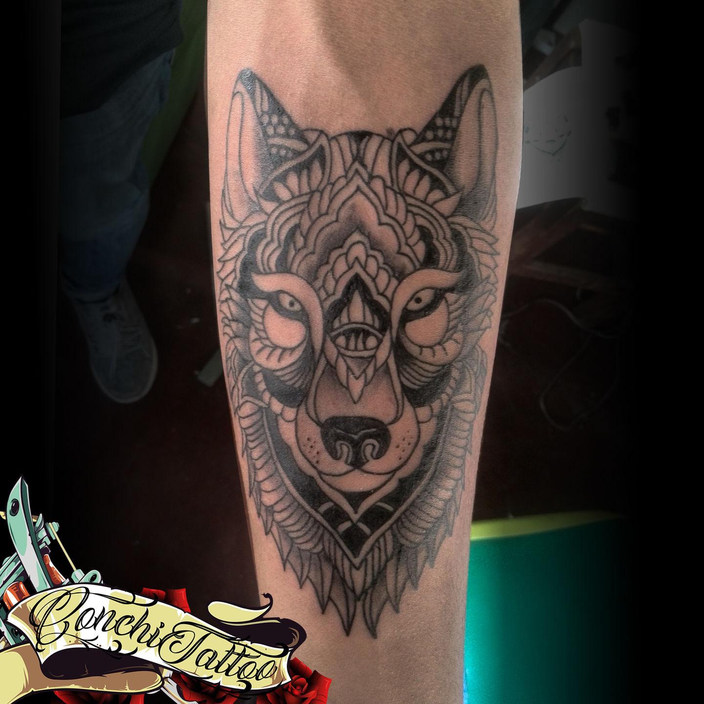 conchitattootattoo,lobo,lobo,wolf,lineas,mandala,black